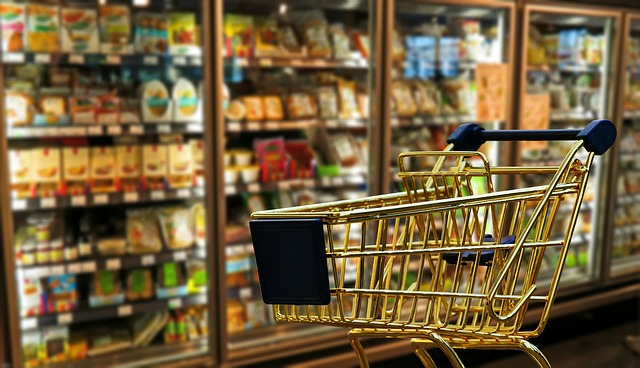 zlatý nákupní košík