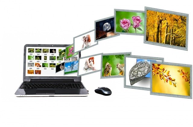 ilustrace reklam v počítači