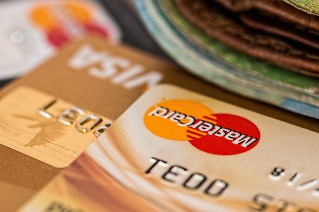 peníze, kreditní karty